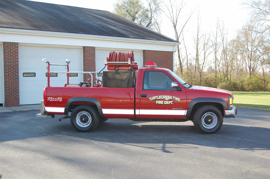 Brush 31: 2000 Chevrolet 4x4 pick-up truck with a 250 gallon capacity