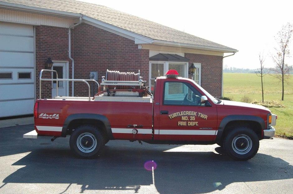 Brush 33: 1994 Chevrolet 4x4 Pick-up truck